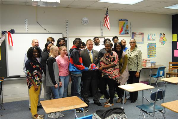 Sheriff Brian Wallace Visits Law Education Class